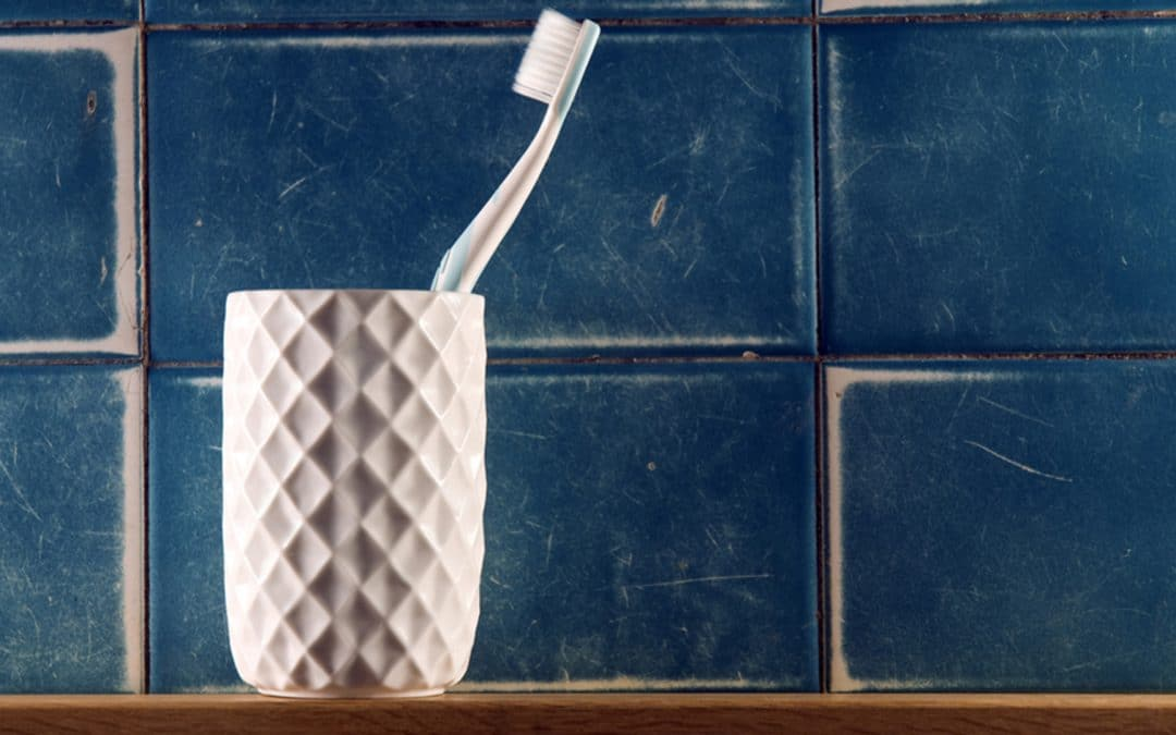 how to clean your toothbrush holder